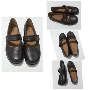 Clarks Active air _ brown mary jane shoes_ sz8w